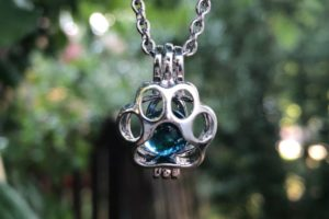 Turn Pet Ashes into Glass Pendants